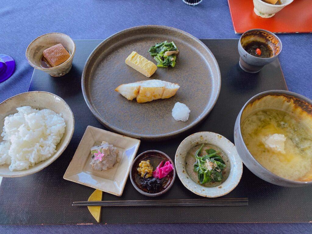 紺碧ザヴィラオールスイートの朝食