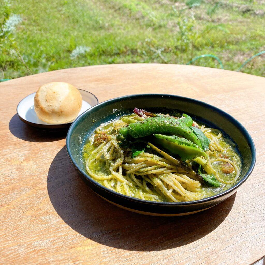 ミモザキッチンのランチメニュー 自家製バジルのジェノベーゼパスタ